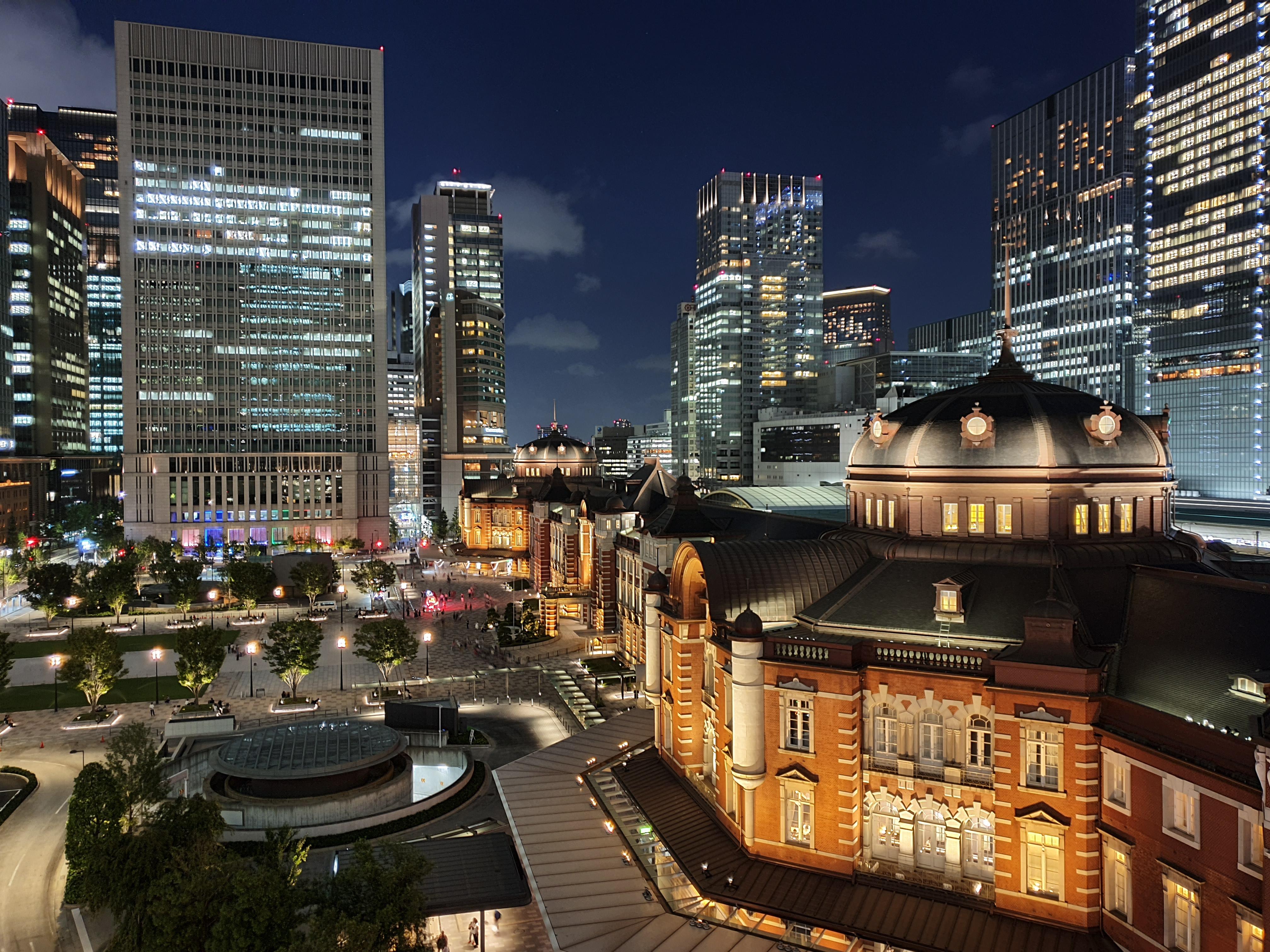 DxOMark上位ランクインのスマートフォンによるカメラ性能比較、JR東京駅を撮影