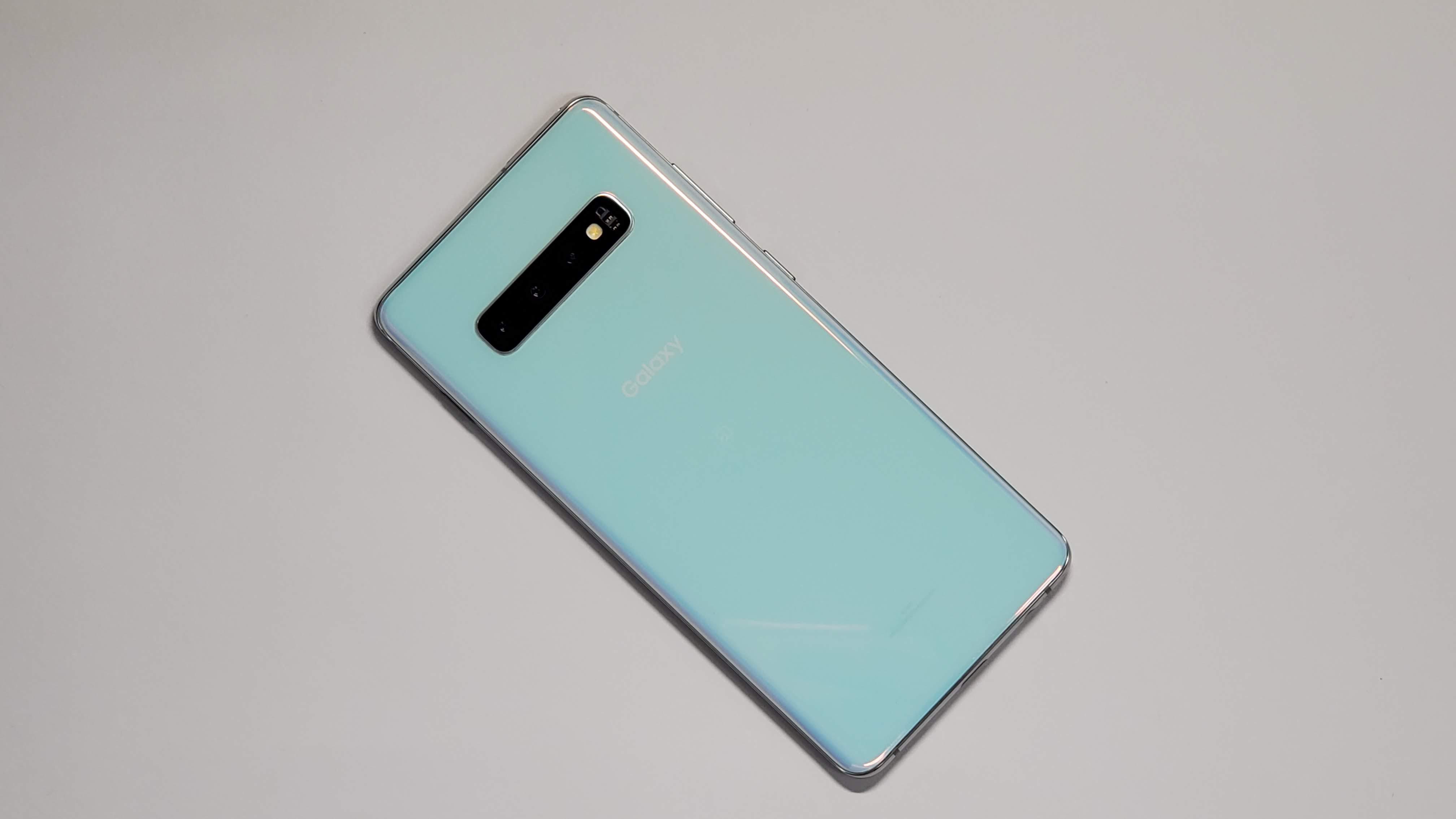 Samsung Galaxy S10+ 徹底レビュー┃カメラ、電池持ち、Galaxy Note10+との違い