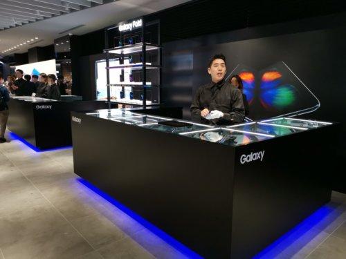 Galaxy Harajuku、新製品「Galaxy Fold 」「Galaxy Note10+」「Galaxy A7」の展示を開始-実機のレビューあり